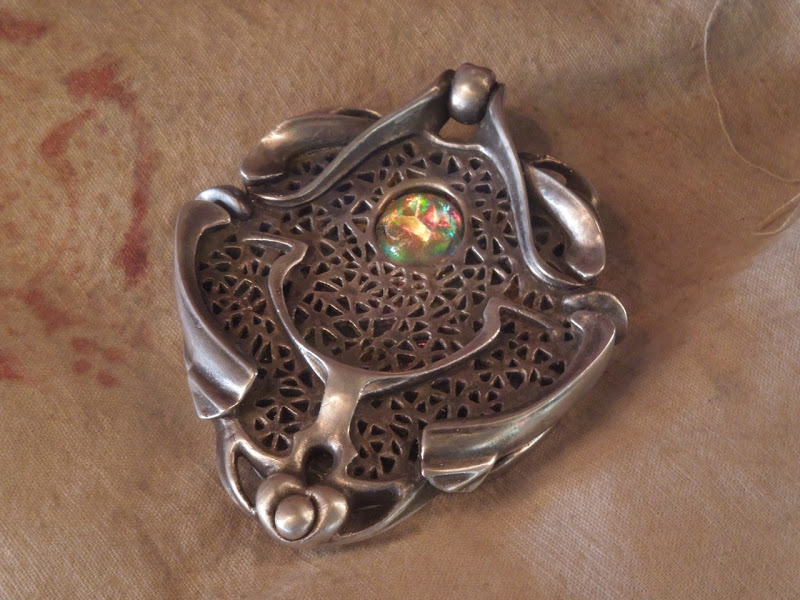 medallion prop JohnCarter